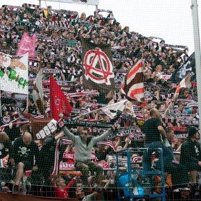 FÚTBOL: ¿Deporte oPolítica?