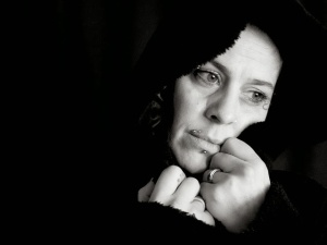 mujer-retrato-rostro-tristeza